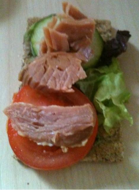 HamRyvita The Lunch Less Ordinary Blogger Challenge #1: Tomatoes for lunch