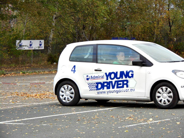 Young persons driver lesson