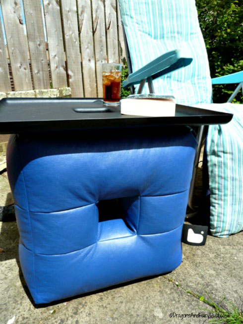 B-Qubed beanbag table