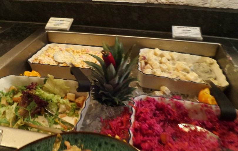 Salad bar at Vivia Brazil