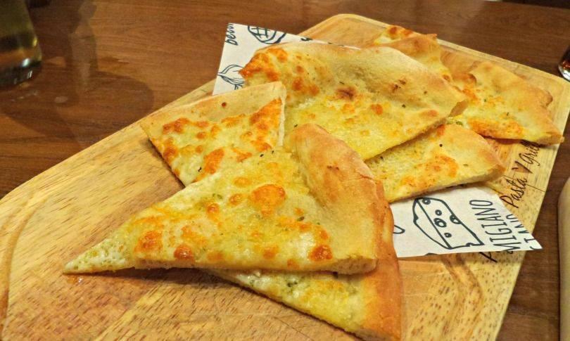 Mozzarella Pizza Bread at Bella Italia