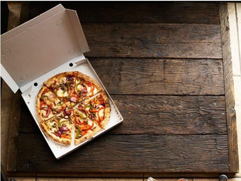 Pizza from Mannys pizza deli Newcastle