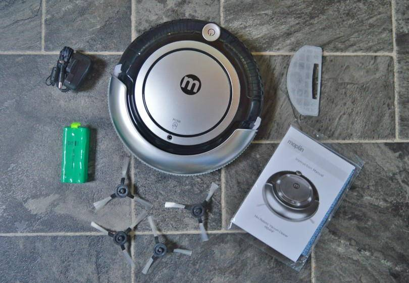 Maplin mini robotic vacuum cleaner - whats in the box