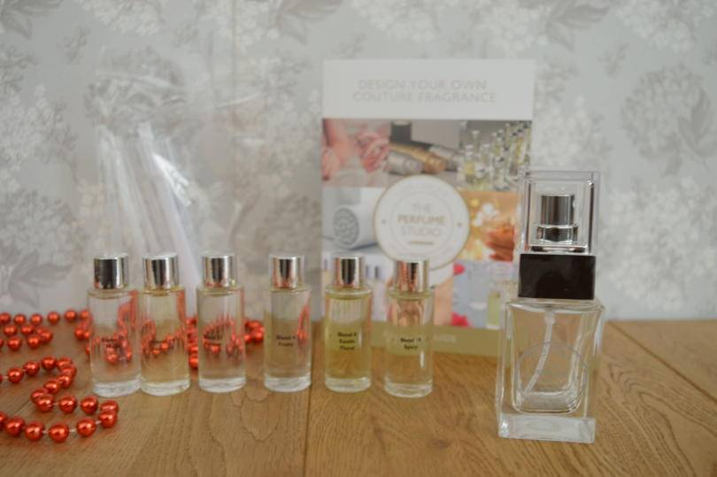 Contents of Perfume Studio fragrance set