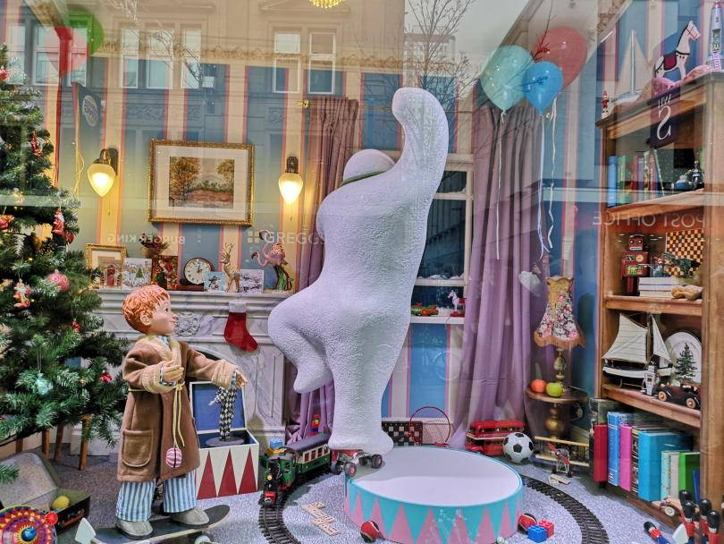 Fenwicks Christmas windows - the snowman dancing in the living room